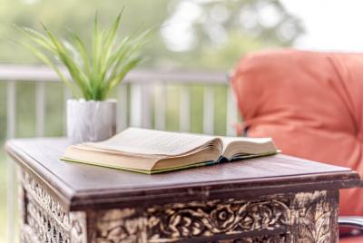 Створити нішу книг про хатнє прибирання і завоювати її: від Марі Кондо до Стейсі Соломон